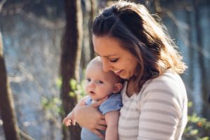 赤ちゃん、ママ
