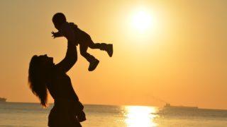 母と赤ちゃん、出産