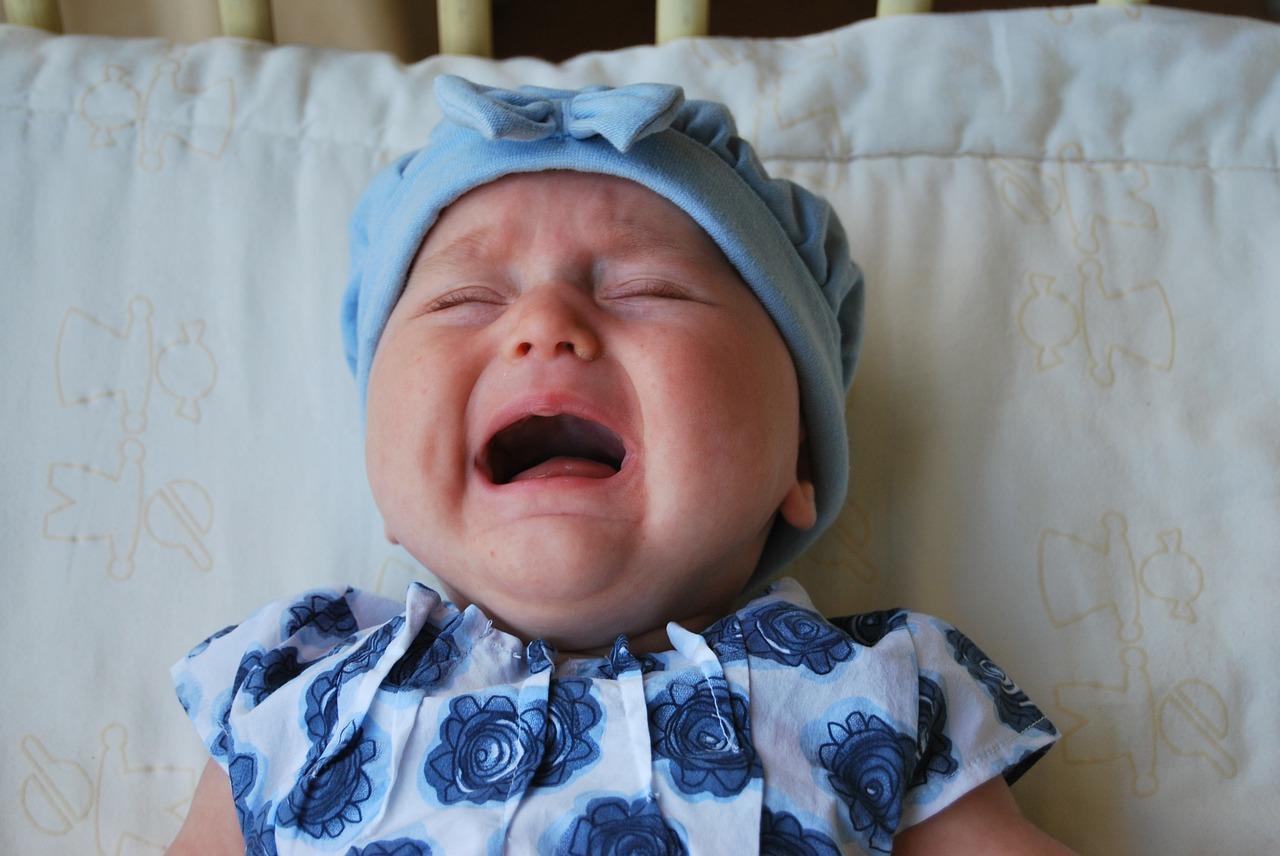 赤ちゃん、泣く、人見知り