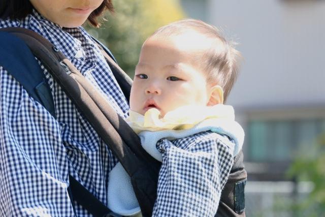 抱っこ紐、赤ちゃん