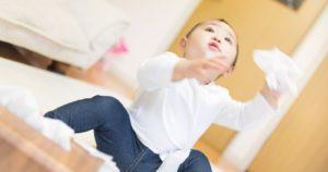 赤ちゃん、投げる