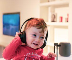 赤ちゃん、子ども、音楽聞き流し