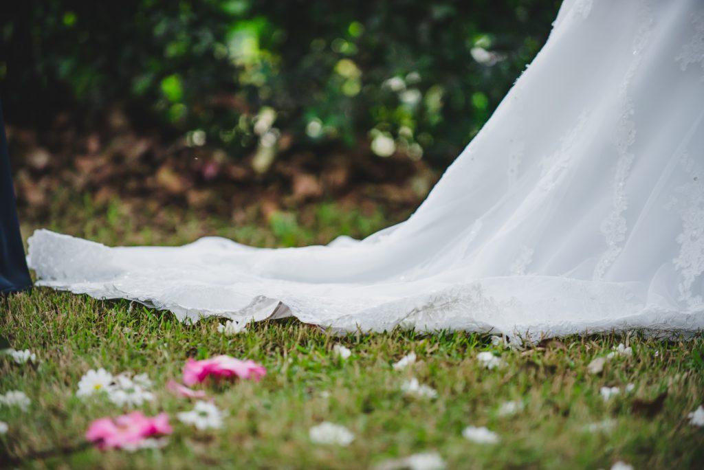 妊婦さんが結婚式にお呼ばれされたら?私の経験談と注意事項を解説