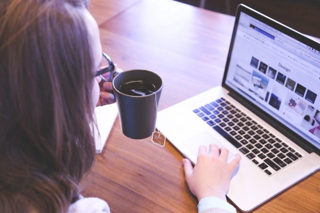 旦那が安月給でイライラする時の対処法!在宅でブログをして自分でも稼ごう