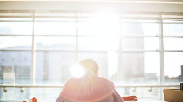 仕事を辞めたいけど勇気が出ない新卒社員!そんな時に持つべき5つの思考法とは?