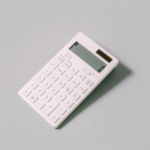 電卓、お金、家計
