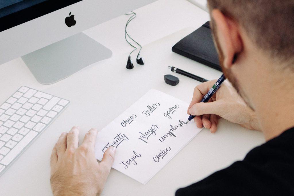 ブログのプロフィールの書き方の事例!読者が劇的に増えるポイントを解説
